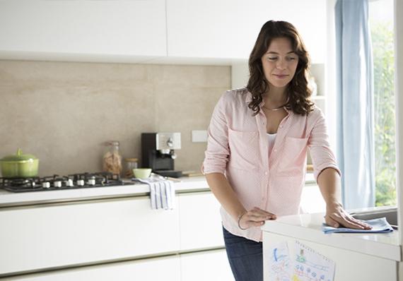 artículo de limpieza sobre cómo usar lysoform para limpiar su hogar